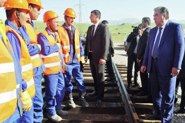 Рабочая поездка Э. Рахмона в Яван и Вахдат - Sputnik Таджикистан