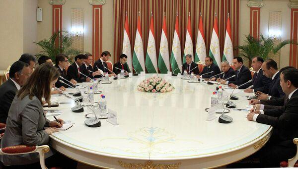 Встреча президента Таджикистана Эмомали Рахмона с исполнительными директорами группы Всемирного банка - Sputnik Таджикистан