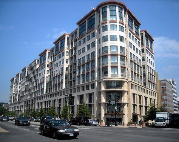 Здание Международной финансовой корпорации в Вашингтоне. Архивное фото - Sputnik Таджикистан