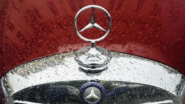 Mercedes-Benz. Архивное фото - Sputnik Тоҷикистон