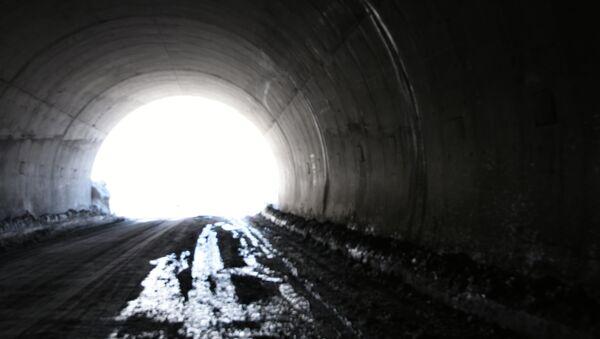 Тоннель по дороге Душанбе - Худжанд. Архивное фото - Sputnik Таджикистан