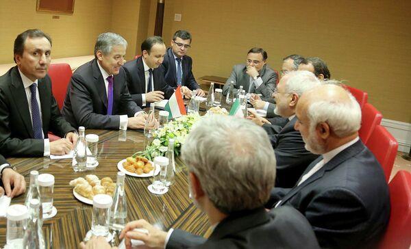 Министр иностранных дел Сироджидин Аслов встретился в Москве в среду с коллегой из Афганистана Салохиддином Раббани и Ирана Мухаммадом Джавадом Зарифом - Sputnik Таджикистан
