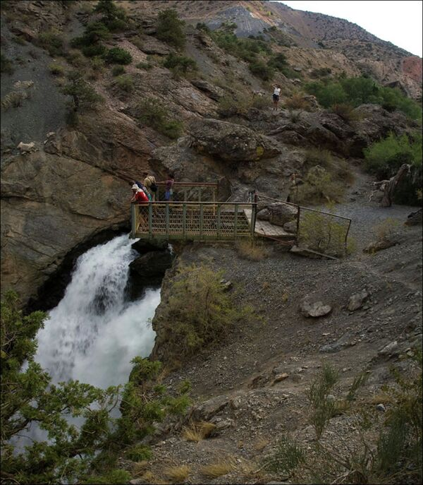Водопад в Фанских горах - Sputnik Таджикистан