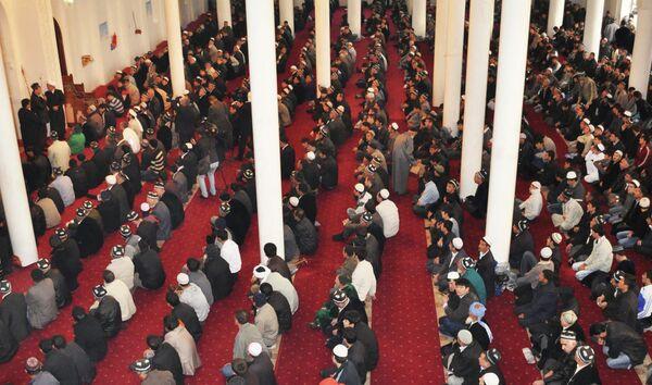 В центральной мечети Душанбе. Архивное фото - Sputnik Таджикистан