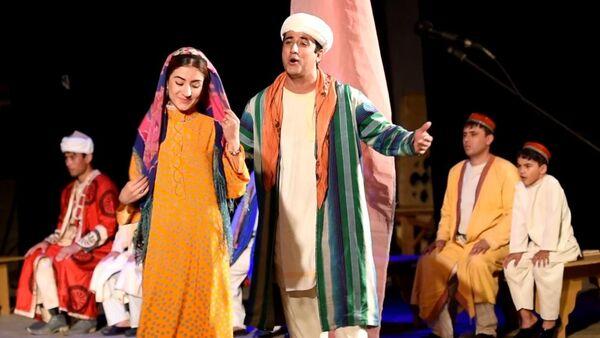 """Театральный фестиваль """"Парасту"""" открылся в Душанбе - Sputnik Таджикистан"""