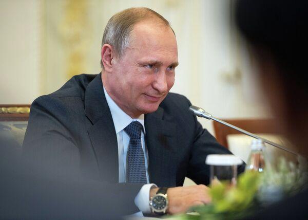 Рабочая поездка президента РФ В.Путина в Санкт-Петербург. Архивное фото - Sputnik Таджикистан