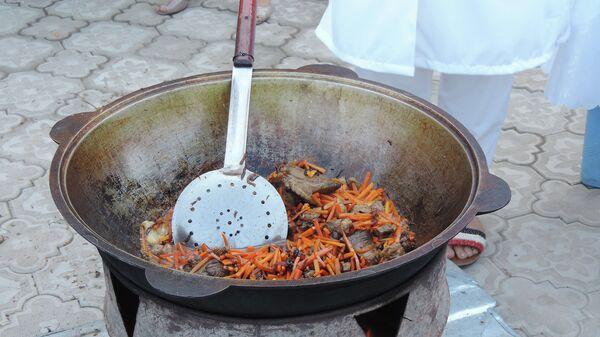 Фестиваль плова и цветов в Худжанде - Sputnik Таджикистан