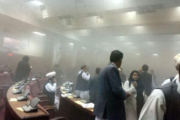 Последствия нападения талибов на парламент Афганистана 22 июня 2015 года - Sputnik Таджикистан