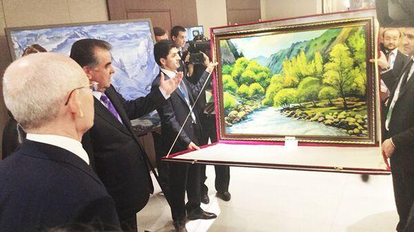 Выставка таджикского искусства в Шератоне, Уфа - Sputnik Таджикистан