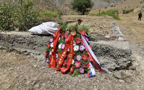 Годовщина трагических событий, на 12-й заставе Московского пограничного отряда 13 июля 1993 года - Sputnik Таджикистан