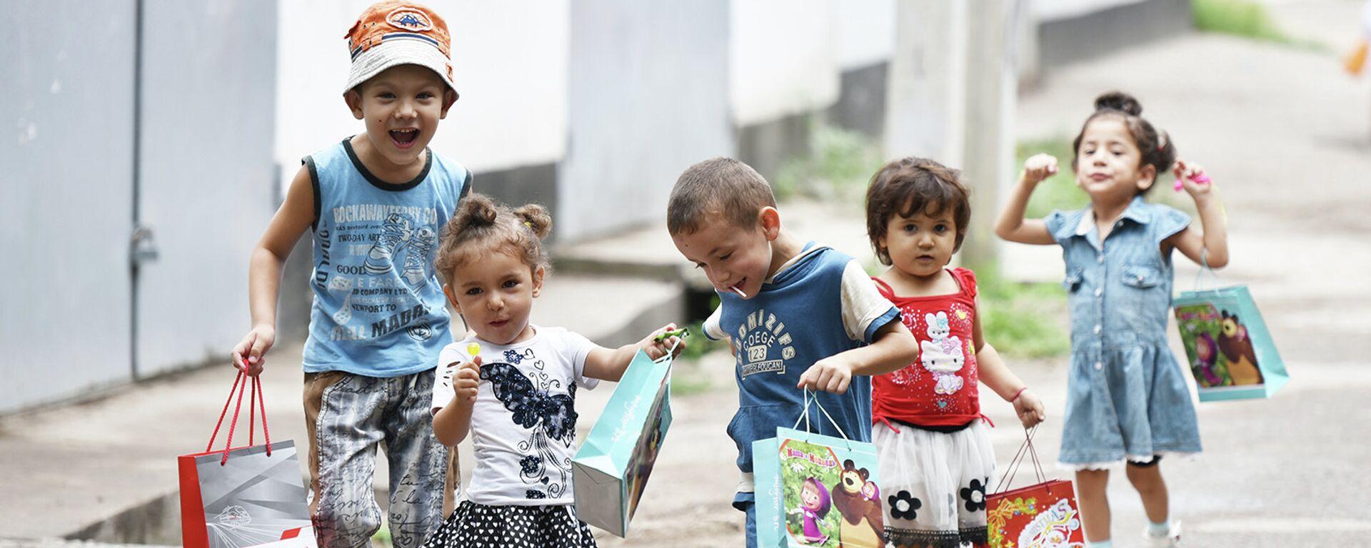 Ид муборак: как в Таджикистане отметили  Ид аль-фитр - Sputnik Таджикистан, 1920, 19.07.2021