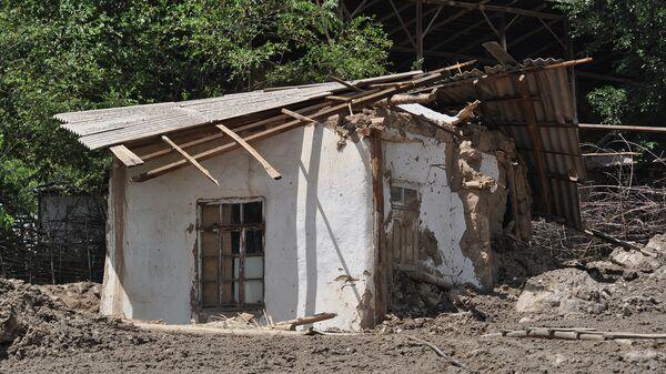 Последствия схода сели в селе Бедак, района Рашт. 22 июля 2015 года - Sputnik Таджикистан