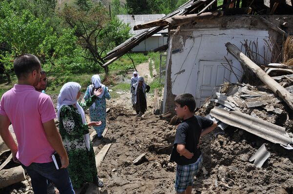 Последствия схода селевого потока в кишлаке Бедак - Sputnik Таджикистан