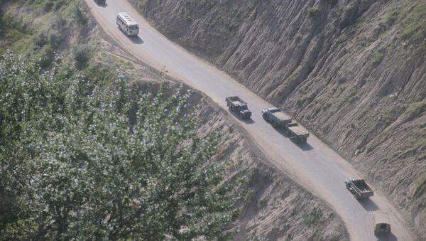 Памирская горная дорога. Архивное фото. - Sputnik Таджикистан
