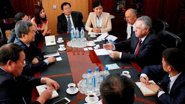 27 июля 2015 года Председатель  Торгово-промышленной палаты  Республики Таджикистан Шариф Саид принял Экономическую делегацию провинции Шэньси - Sputnik Тоҷикистон