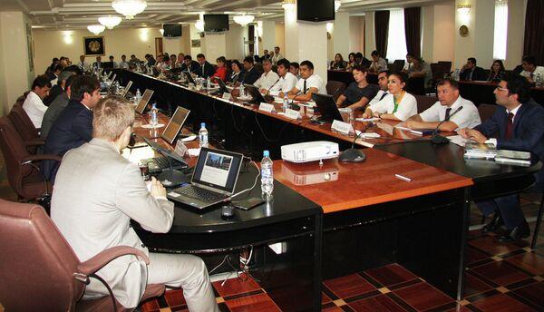 Возможность использования единой торговой площадки Thomson Reuters Нацбанком Таджикистана была обсуждена в ходе конференции в Душанбе - Sputnik Таджикистан