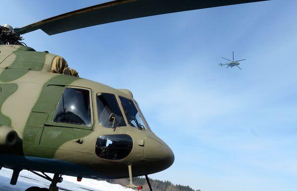 Вертолеты Ми-8. Архивное фото - Sputnik Таджикистан