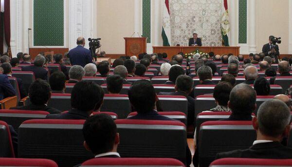 Эмомали Рахмон на расширенном заседании правительства. Архивное фото - Sputnik Таджикистан