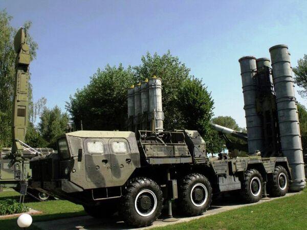 Зенитно-ракетный комплекс С-300ПС, переданный от РФ Казахстану - Sputnik Таджикистан