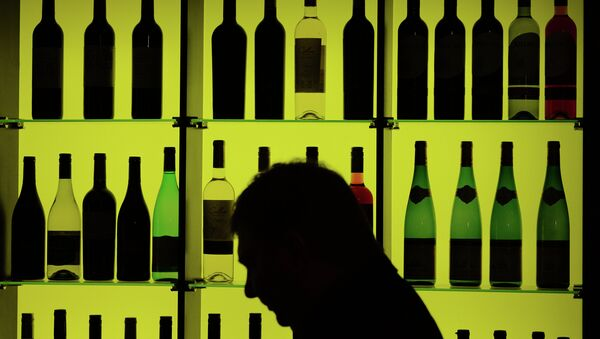 Стенд с винами. Архивное фото - Sputnik Таджикистан
