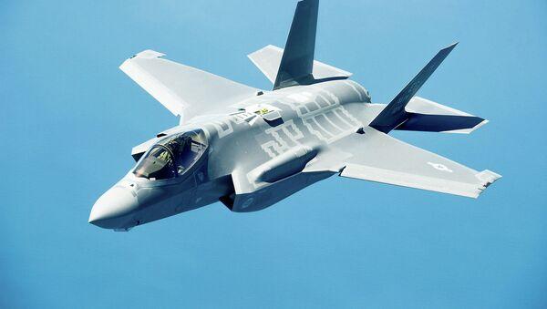 Lockheed Martin F-35. Архивное фото - Sputnik Таджикистан
