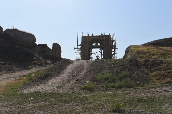 Подготовка к 3-тысячелетнему юбилею Гиссара - Sputnik Таджикистан