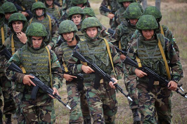 Совместные учения Коллективных сил оперативного реагирования (КСОР) ОДКБ Взаимодействие-2015 - Sputnik Таджикистан