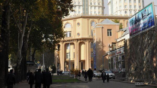 Маркази тиҷоратии Душанбе-Плаза. Акс аз бойгонӣ - Sputnik Тоҷикистон