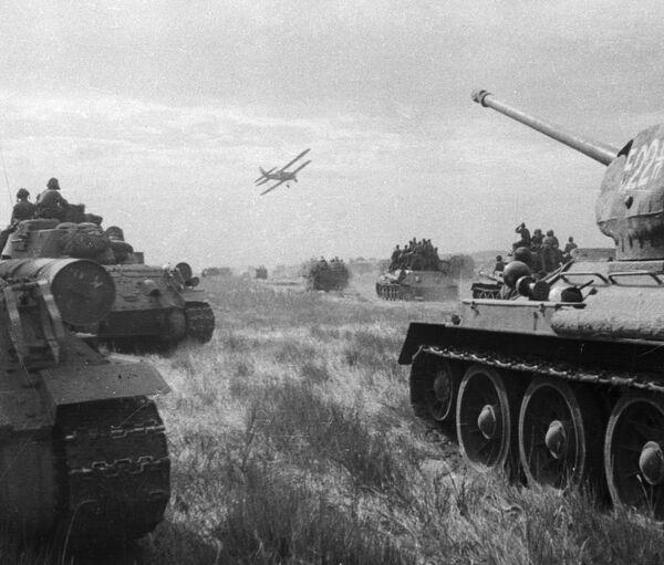 Советские войска ведут боевые действия в первый день войны с Японией. Архивное фото - Sputnik Таджикистан