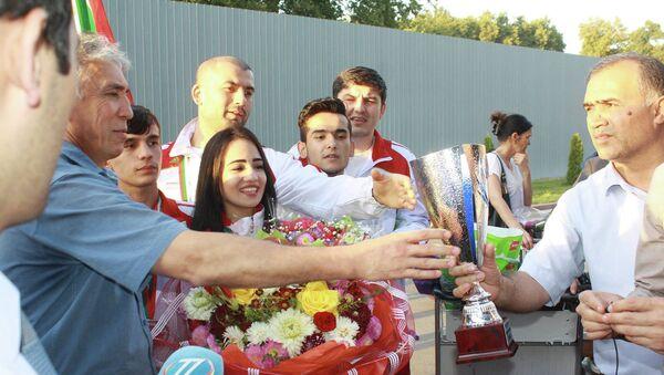 Возвращение сборной Таджикистана по таэквондо ITF после чемпионата мира - Sputnik Таджикистан