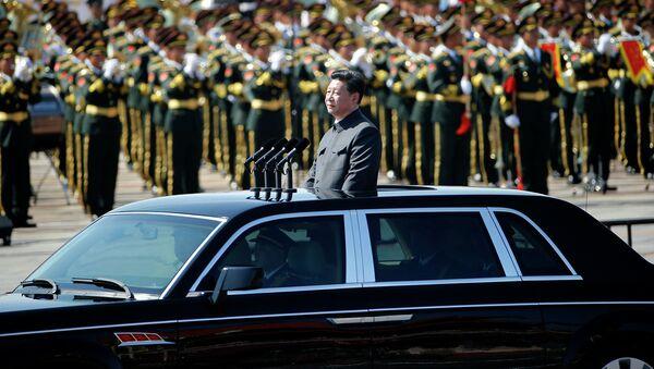 Председатель КНР Си Цзиньпин на параде в Пекине, посвященном 70-й годовщине победы китайского народа в антияпонской войне и окончанию Второй мировой войны - Sputnik Таджикистан