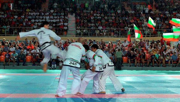 Выступление  сборной РТ по таэквондо в Болгарии  в самозащите - Sputnik Таджикистан