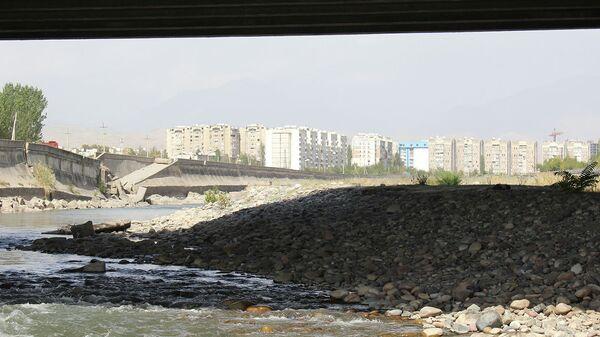 Река Душанбинка. Архивное фото - Sputnik Тоҷикистон