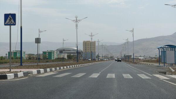 Автотрасса Душанбе-Турсунзаде. Архивное фото - Sputnik Тоҷикистон
