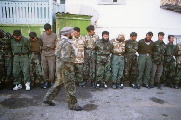 Гражданская война в Таджикистане. Пленные. Архивное фото. - Sputnik Таджикистан