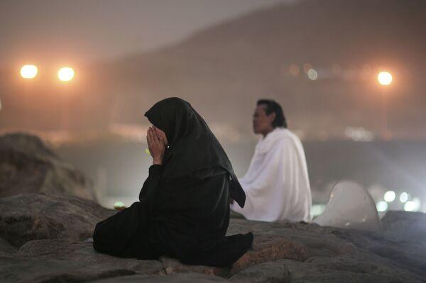Паломники молятся на Горе Арафат - Sputnik Таджикистан