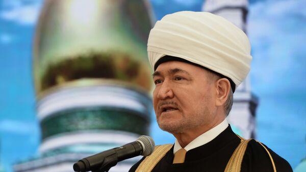 Председатель Совета муфтиев России Равиль Гайнутдин, архивное фото - Sputnik Таджикистан