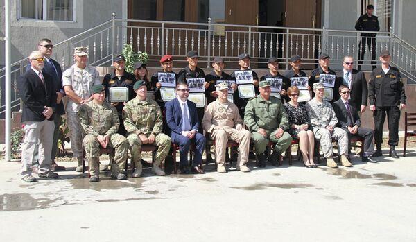 Посольство США передало ОМОНу МВД Таджикистана более 60 наименований тактического оборудования - Sputnik Таджикистан