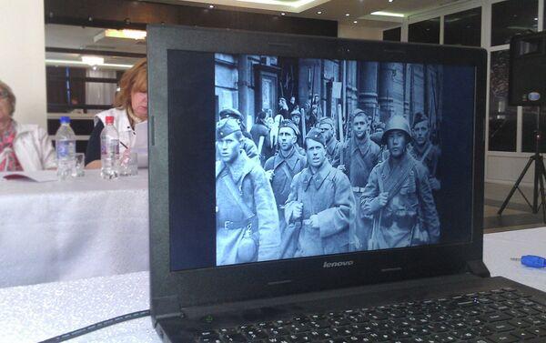 Архивный снимок военнослужащих 201-й дивизии в годы Велико Отечественной войны - Sputnik Таджикистан