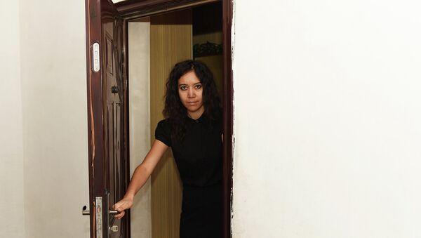 Не дождавшись приезда милиции, Шоире пришлось самой открыть дверь преступнику. - Sputnik Тоҷикистон