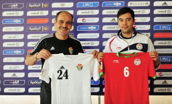 На пресс-конференции в преддверии матча отборочного раунда чемпионата мира-2018 между национальными сборными Иордании и Таджикистана - Sputnik Таджикистан