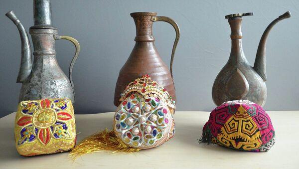 Британский музей получил коллекцию национальных экспонатов из 67 предметов - Sputnik Таджикистан