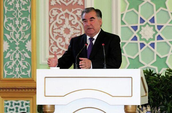 Эмомали Рахмон во дворце Арбоб 21 октября 2015 года - Sputnik Таджикистан