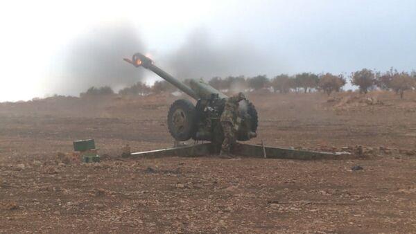Солдаты сирийской армии ударили по боевикам из Градов и пушек. Кадры боя - Sputnik Тоҷикистон