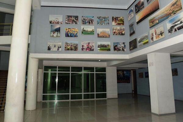 В фойе кинотеатра - Sputnik Таджикистан