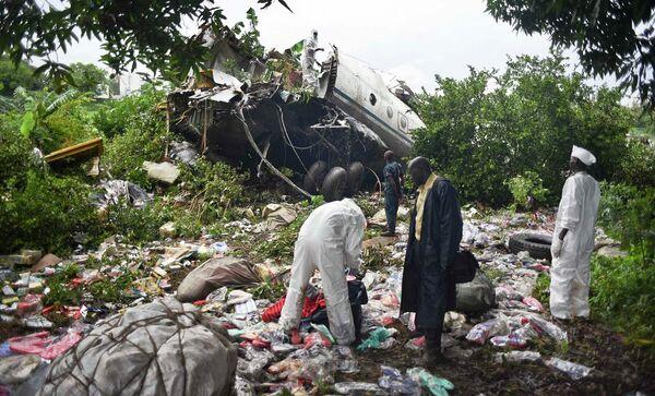 На месте крушения самолета Ан-12 в Южном Судане - Sputnik Таджикистан