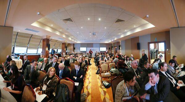 Участники Форума европейских и азиатских средств массовой информации (ФЕАМ - 2012). Архивное фото - Sputnik Таджикистан