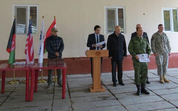 Посольство США в партнерстве с Организацией по безопасности и сотрудничеству в Европе (ОБСЕ) провело курс обучения по уничтожению взрывчатых веществ в г. Душанбе - Sputnik Таджикистан