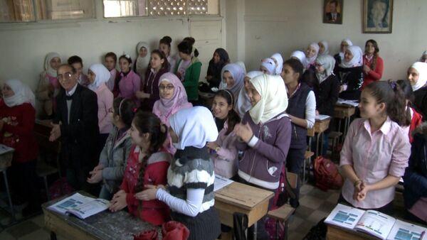 Спасибо! – сирийские школьники объяснили, почему учат русский язык - Sputnik Таджикистан