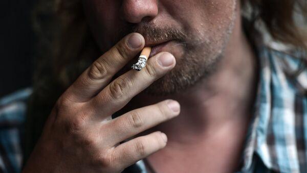 Курение, архивное фото - Sputnik Таджикистан